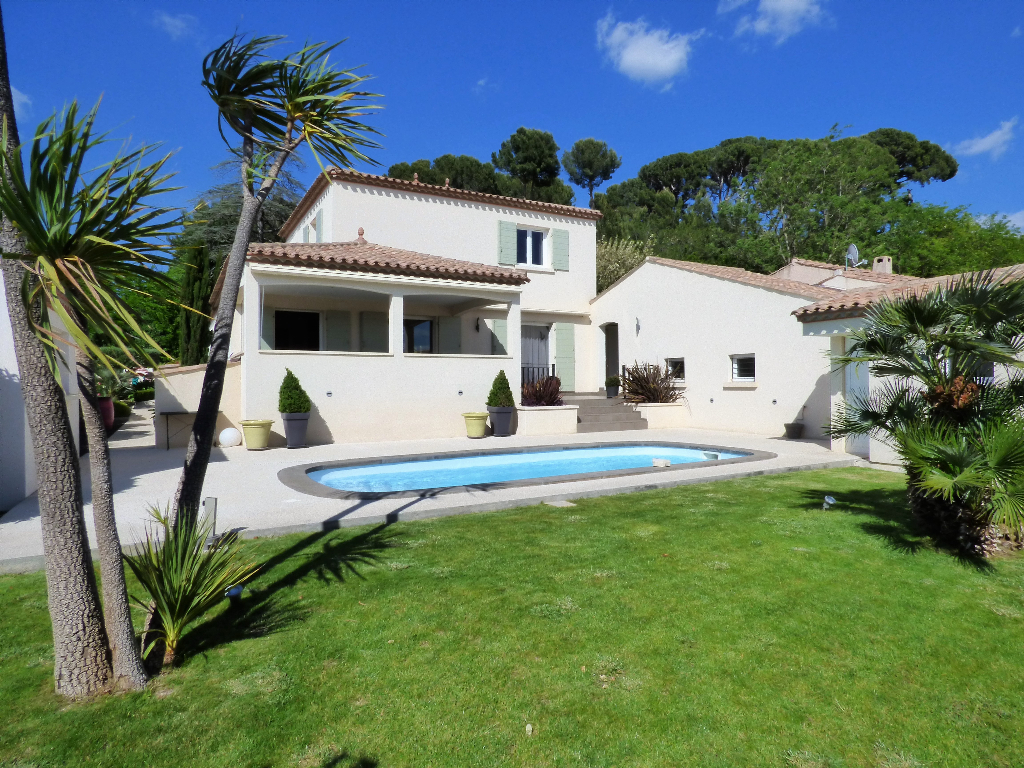 Villa Margon 5 pièce(s) 142 m2 avec piscine sur 725 m² de terrain