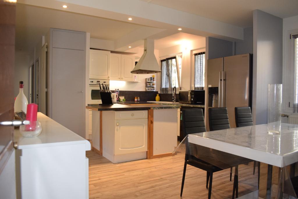 Appartement Saint Claude 3 pièce(s) 75 m2