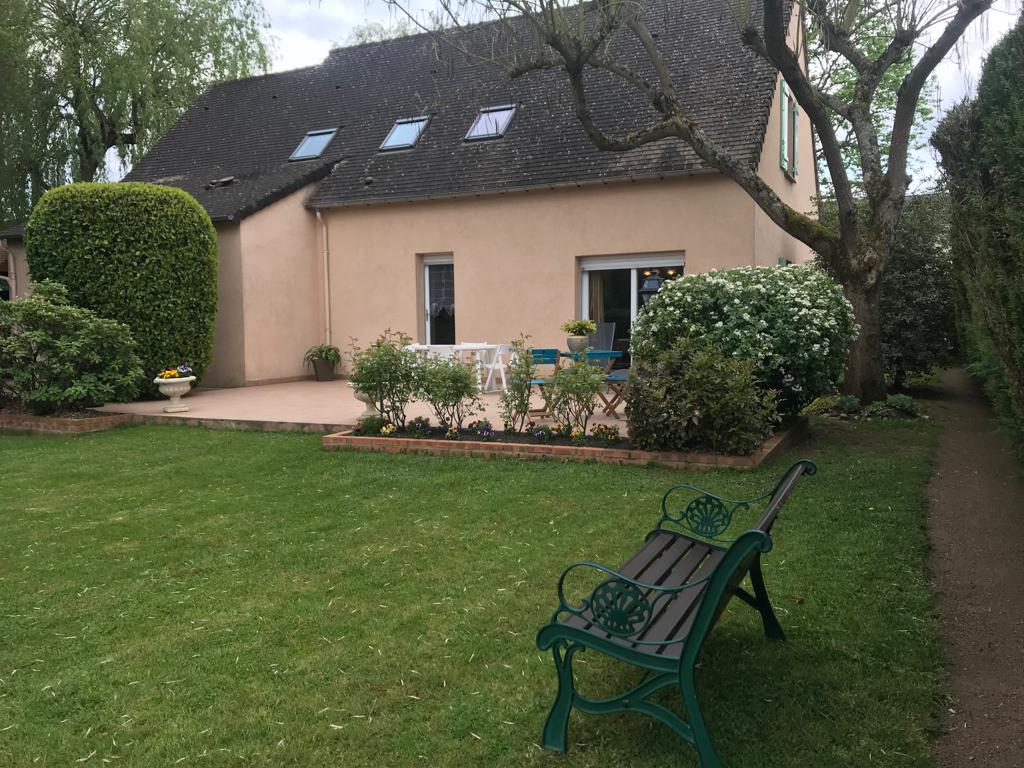 Maison Courtillers 7 pièce(s) 152 m2