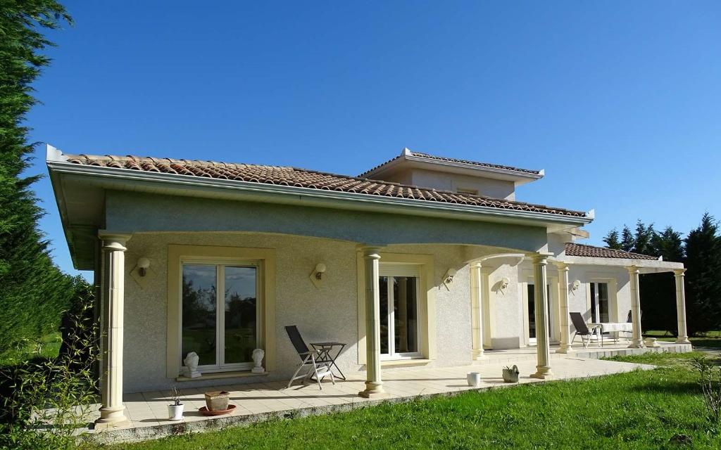Maison de standing T5  de 139 m2 sur Grand terrain