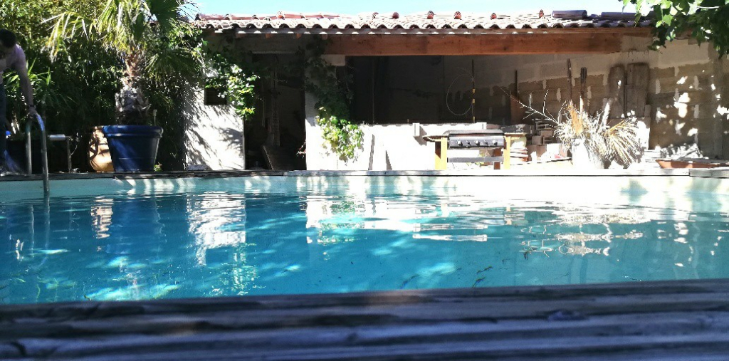 Bouches du Rhône - Arles - Maison de 150 M² avec piscine et garage - 7 pièces - 3 chambres