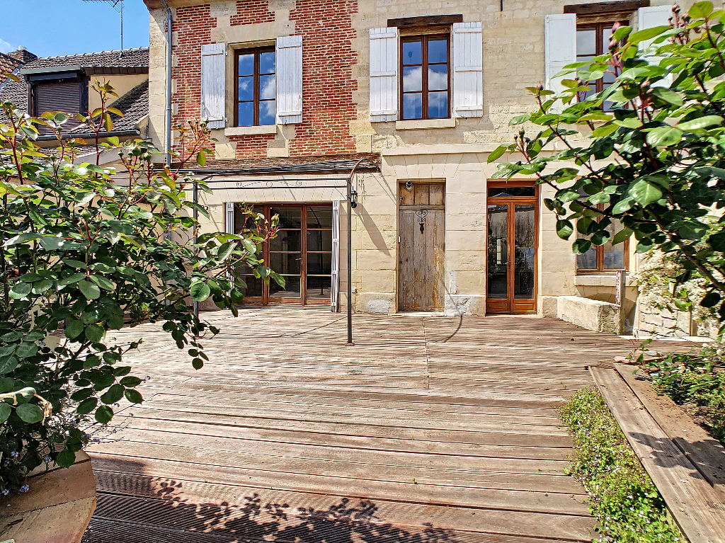 Maison Bourgeoise 6 pièces