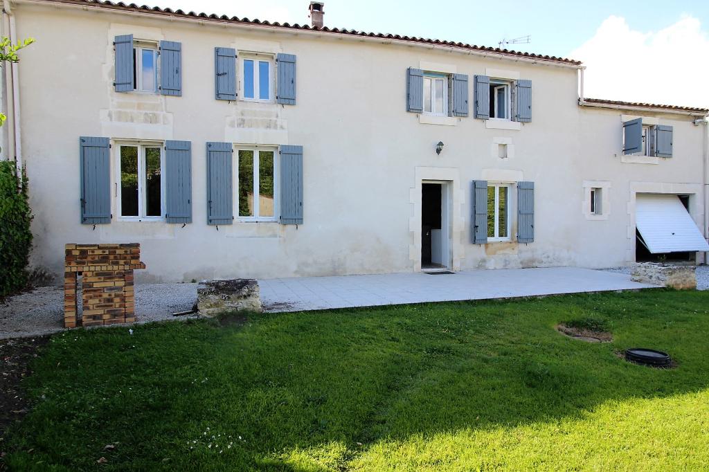 Maison de village Pons 6 pièce(s) 170 m2