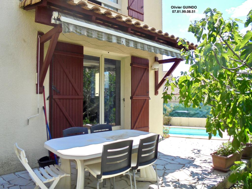Maison 5 pièces de 124 m2 sur terrain de 340 m2 avec piscine