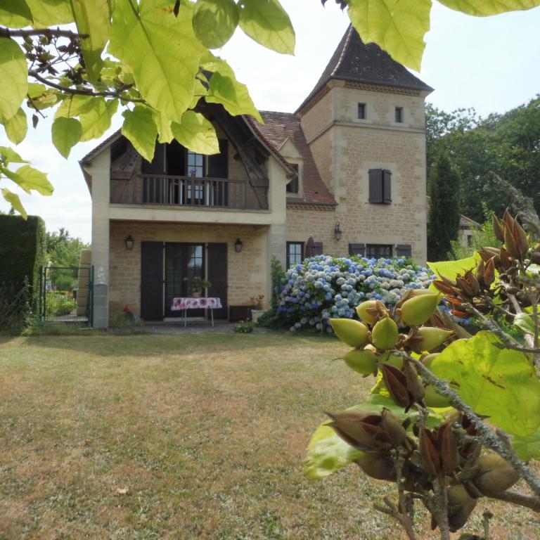 Maison Marcillac St Quentin 10 pièce(s) 180 m²