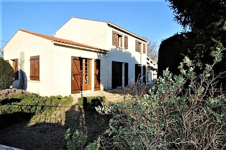 Villa ST SEVER  de Saintonge - 6 pièce(s)  - 5 chambres - 136 m2