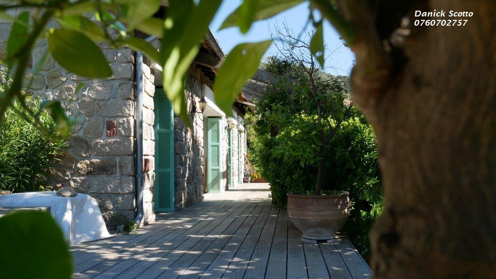 Maison proche Ajaccio 8 pièce(s) 230 m2