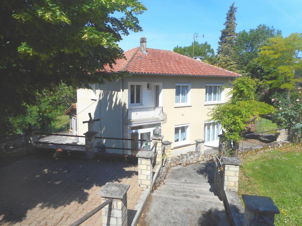 Maison 5 chambres dont 1 en rez-de-chaussée, jardin clos 1590 m²