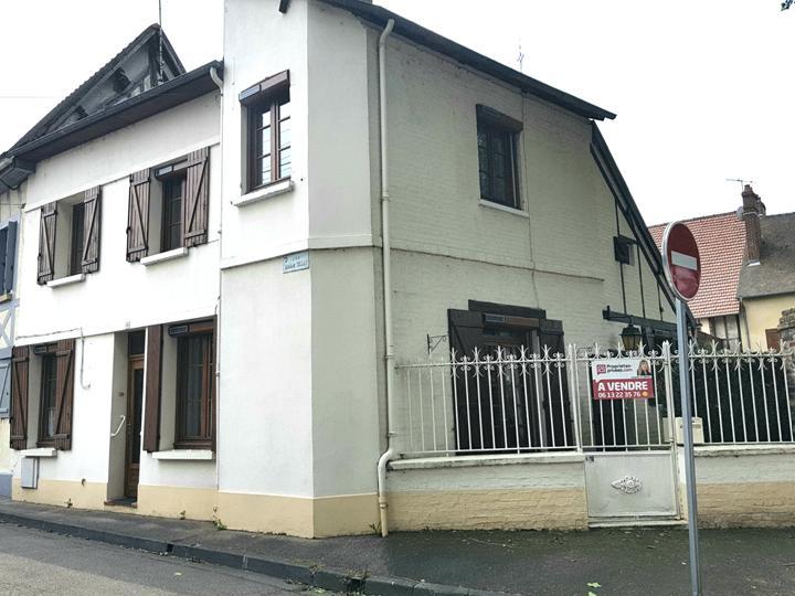 Exclusivité - Le petit  Andelys  - Maison de ville de 110 m2 sur 45 m2 de cour - Prix 135.990