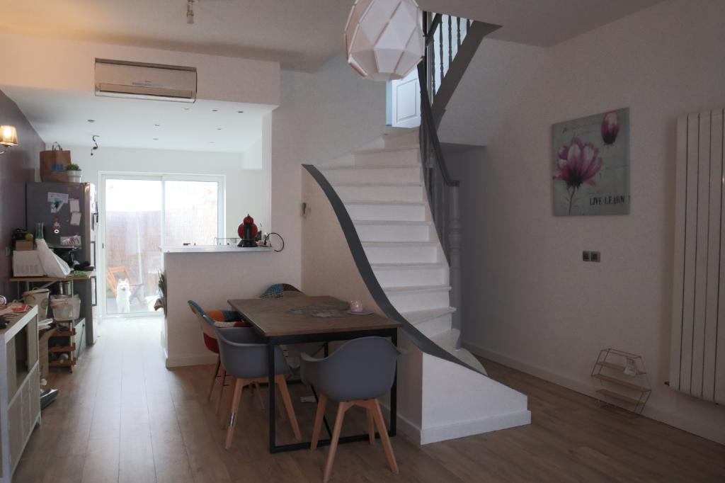 Maison Roubaix 7 pièce(s) 107 m2, 4 chambres et terrasse