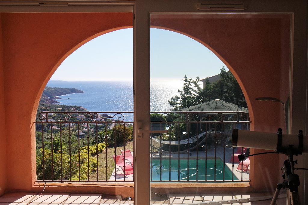 Villa 256m² vue mer et Estérel sur terrain 2148m² - Agay (83530)