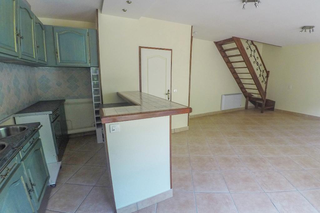 Appartement T3 duplex-75m2-LA FERTE MILON (02460)