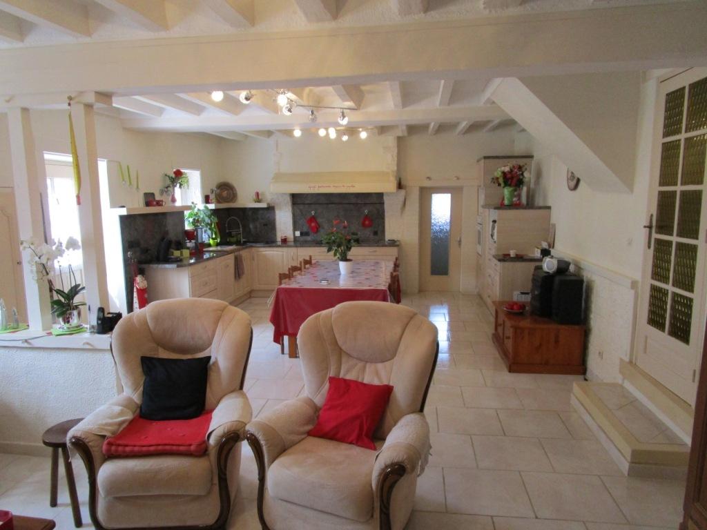 Maison à Tresson (72440) 7 pièce(s) 150 m2