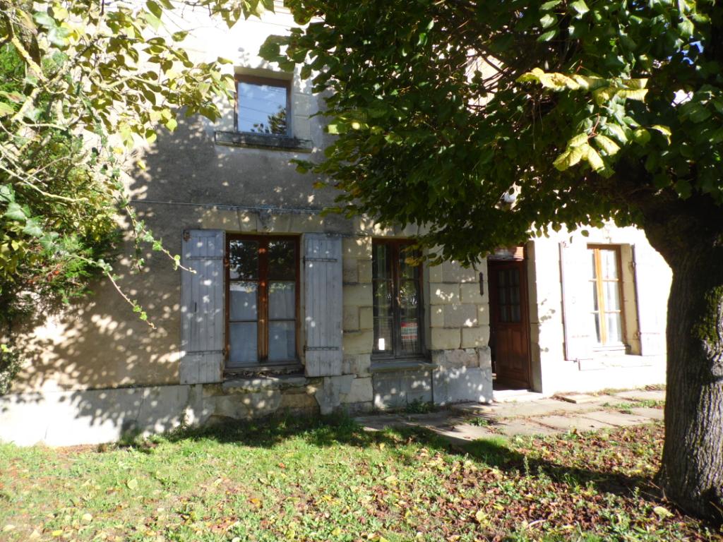 Maison à rénover axe Bouillé-Loretz / Montreuil-Bellay - 203696