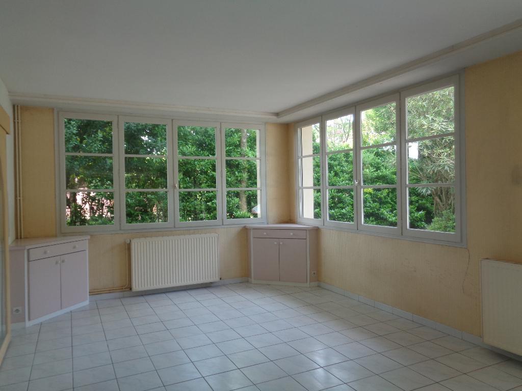 Maison ancienne Salies De Bearn 13 pièce(s) 450 m2