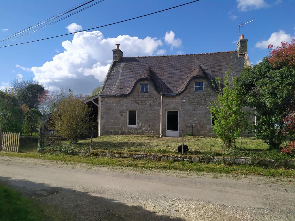 Maison  de charme en pierre avec jardin