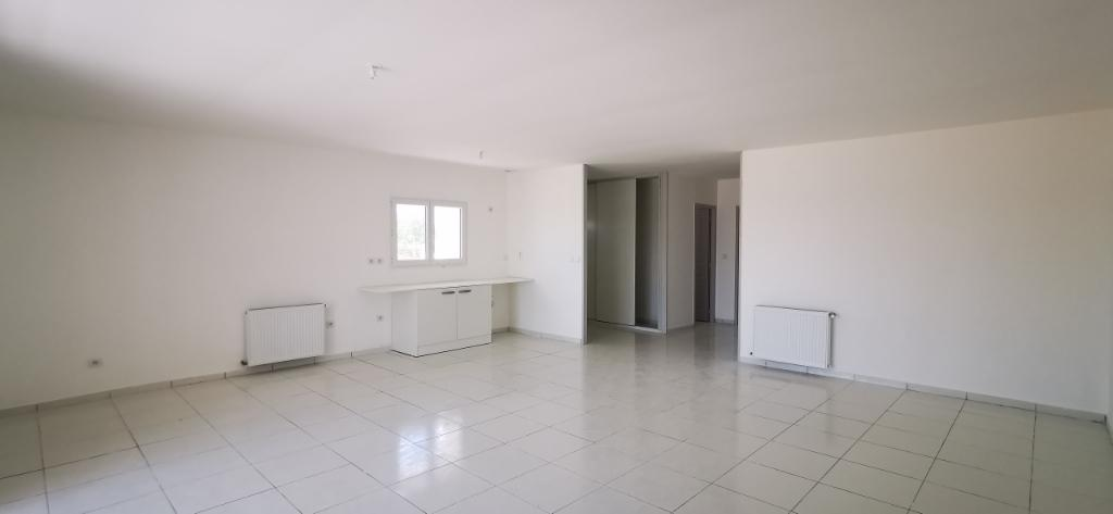17600 SAUJON Appartement T3, terrase, garage, centre ville
