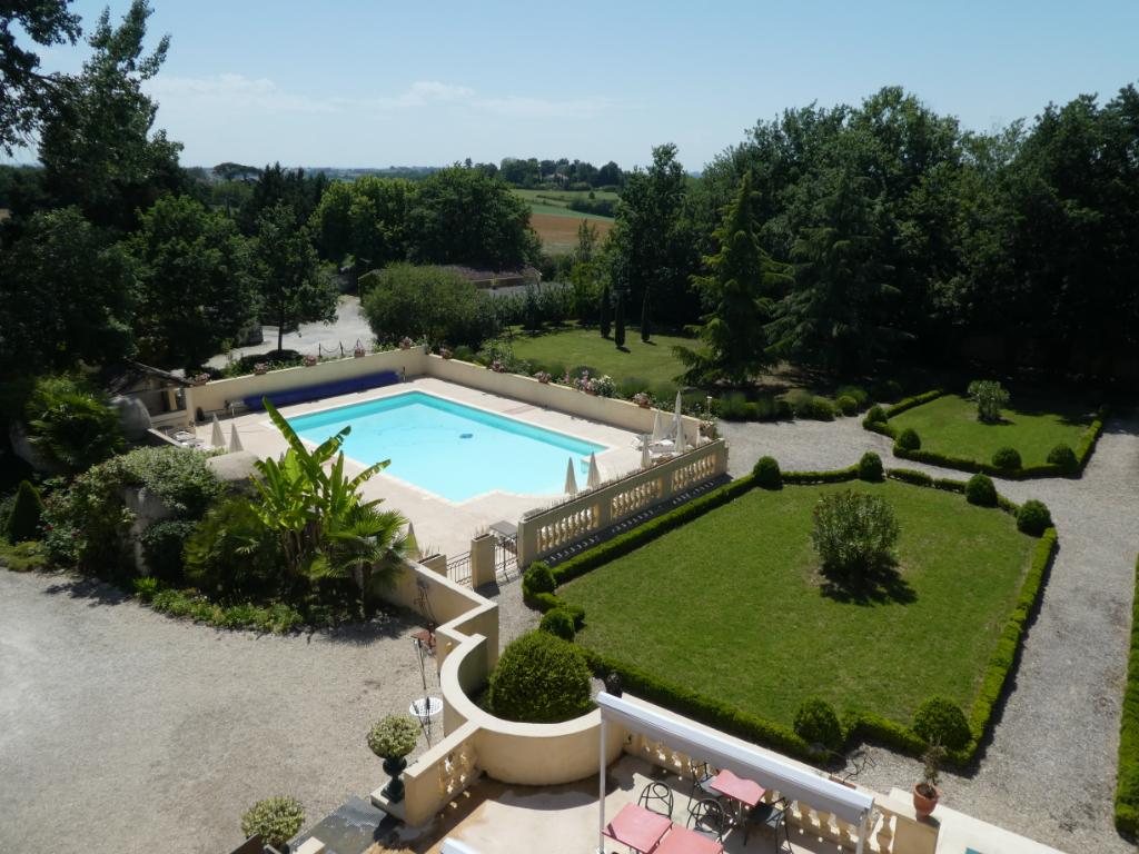 Demeure de prestige près de Moissac 18 pièces 745 m2 -chambres d'hôtes luxe