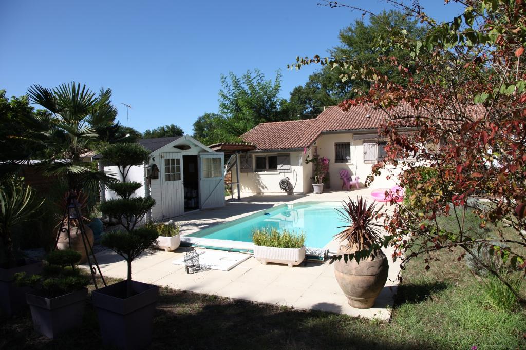 Maison Bazas 7 pièce(s) 190 m2 avec piscine