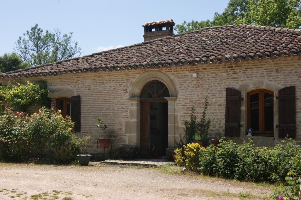 Joli corps de ferme rénové nord de Montauban
