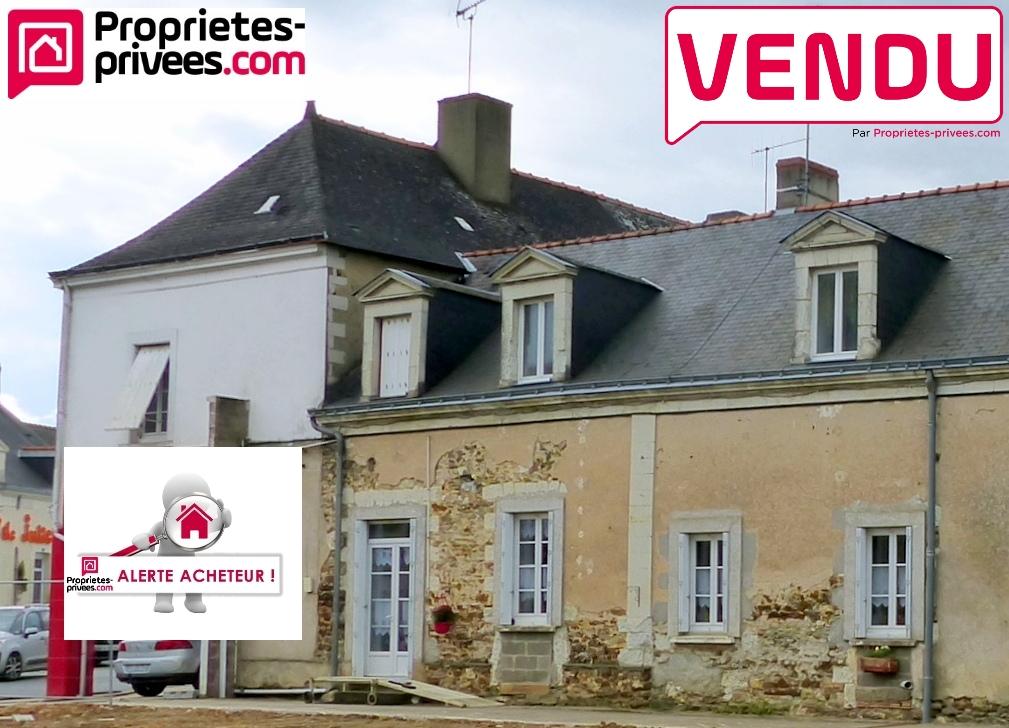 Ensemble immobilier en centre bourg, près d'Angers