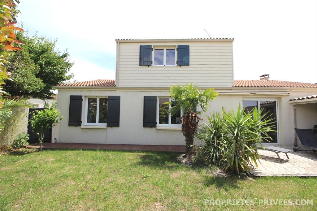 Maison  120 m2  376 950  euros