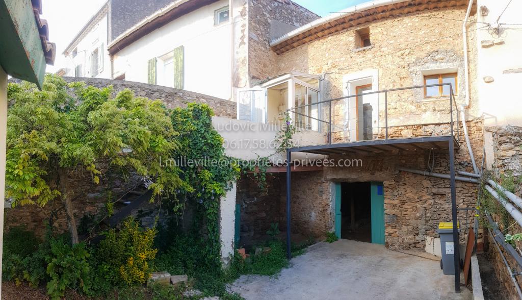 Maison T3 avec cour cave et terrasses