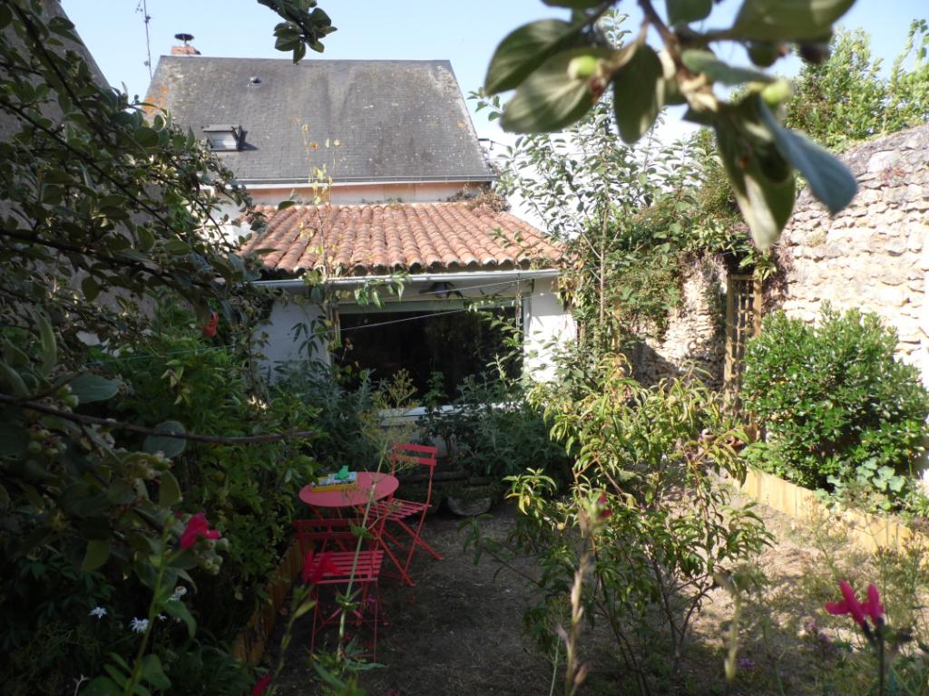 Maison 2 chambres avec terrain clos à Montreuil-Bellay - 207308