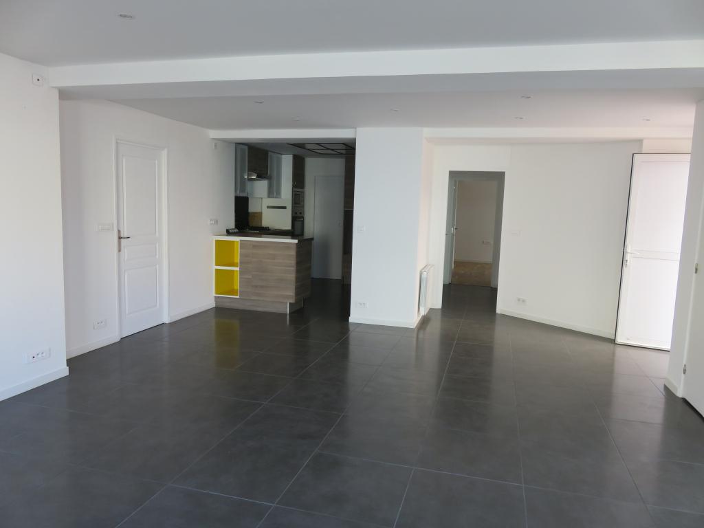 Appartement Basse Goulaine 5 pièce(s) 120 m2