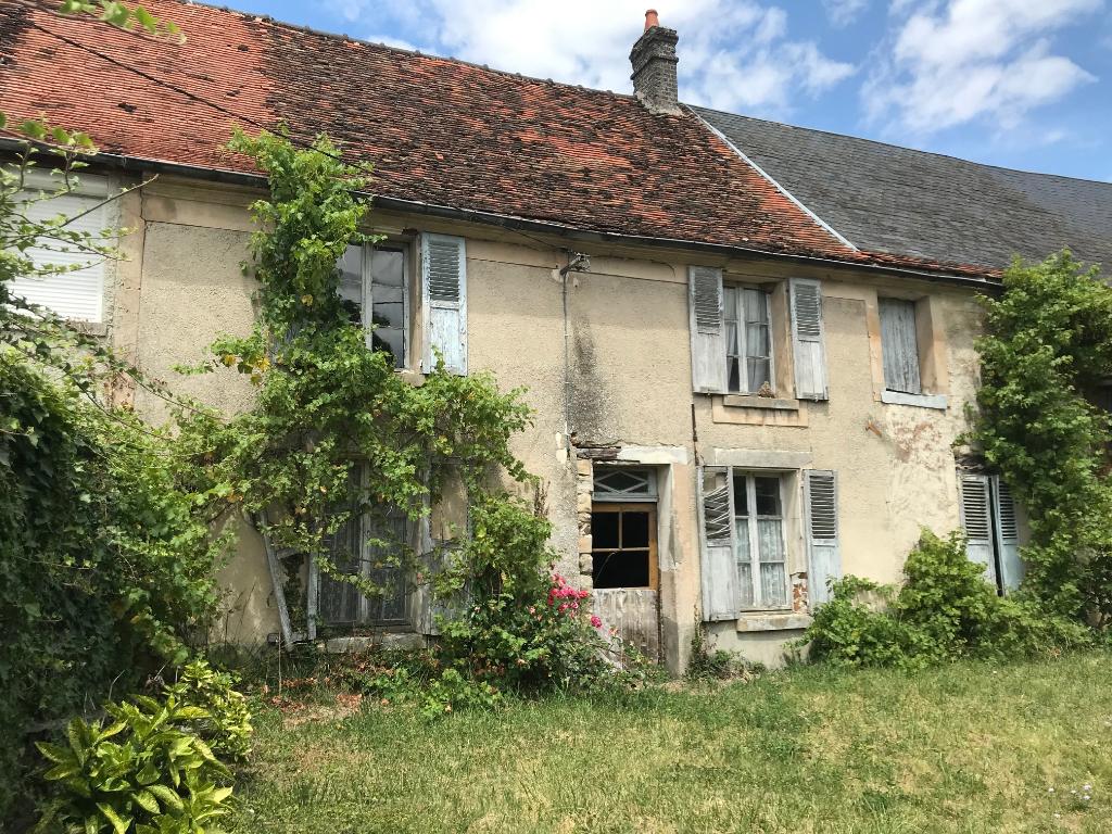 Longère en pierre à rénover 15 min de Soissons