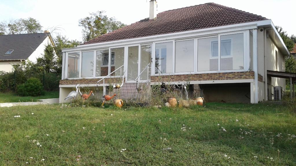 Gisors, 27140  Maison de  plain  pied  107 m²  4 pièces 3 ch. 1200 m² de terrain voie en Impasse  223578
