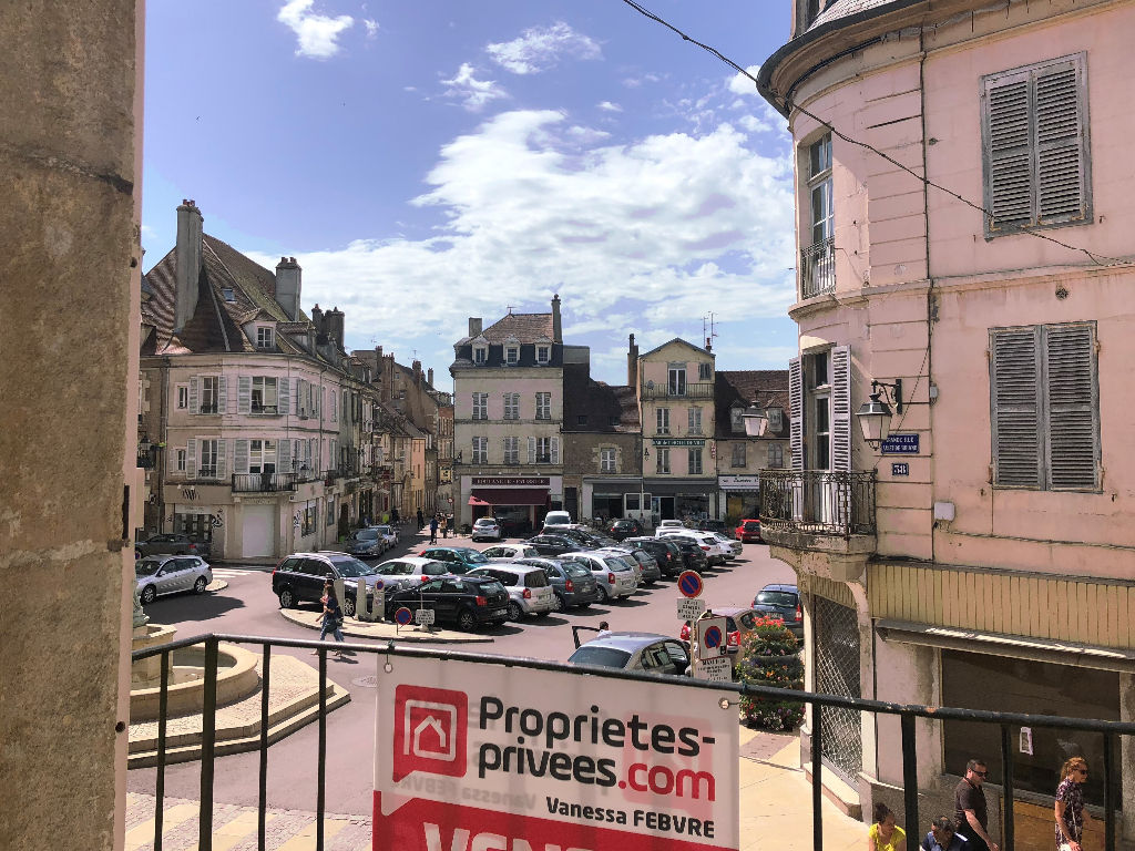 Appartement DUPLEX  F4 CENTRE VILLE AVALLON