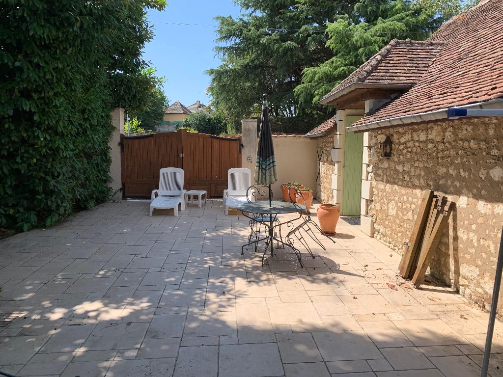 Propriété Dange Saint Romain 11 pièce(s) 340 m2 8 chambres