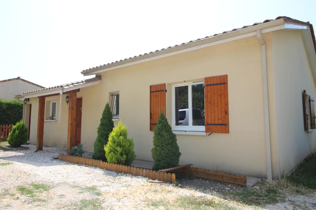 Maison de plain pied  6 pièce(s) 128 m2 - 4 chambres - 1100m² de terrain
