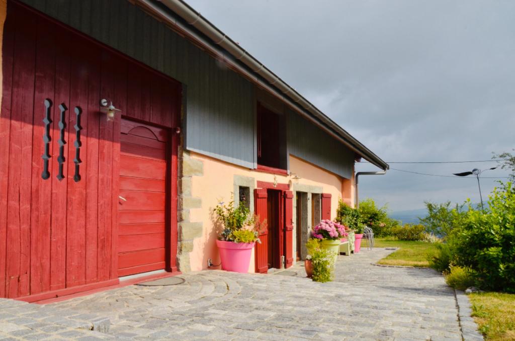 Maison Pers Jussy - 9 pièce(s) - 240 m2 sur unr terrain de 2'600 m2 constructible