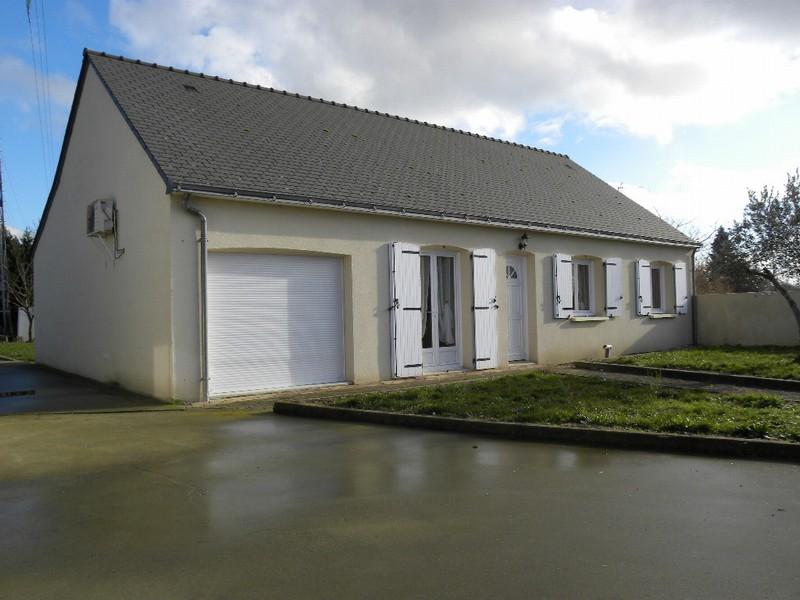 Maison plain-pied avec terrain 1800m2
