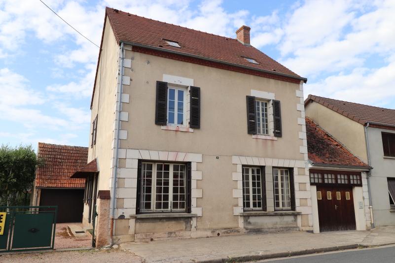 Maison Saint Gerand De Vaux 5 pièce(s) 120 m2