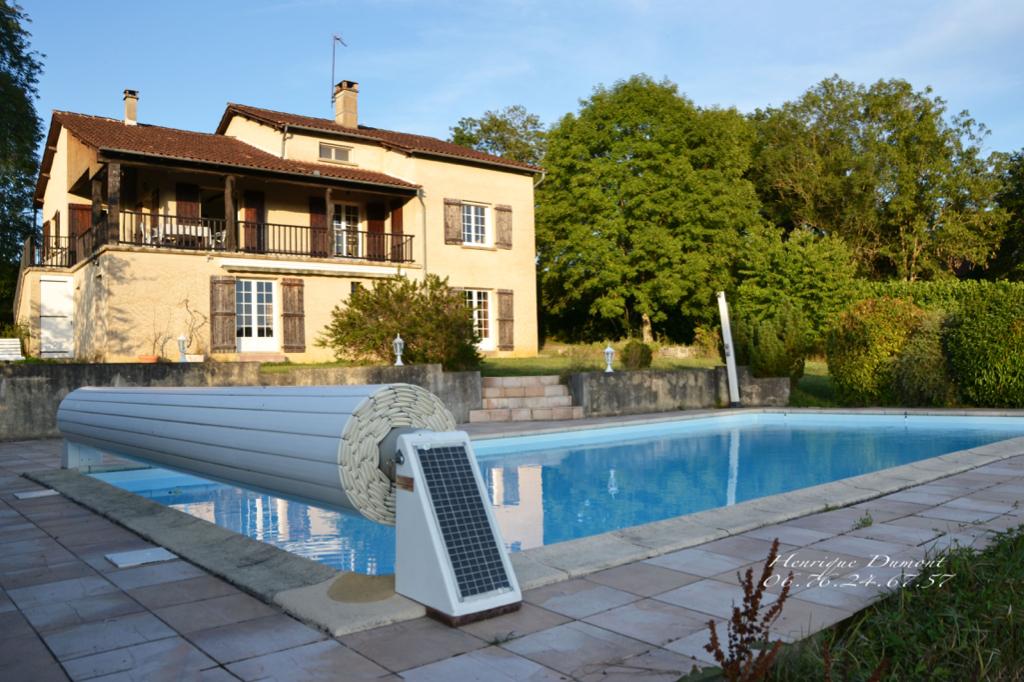 Maison Betaille 6 pièce(s) 150 m2 avec piscine