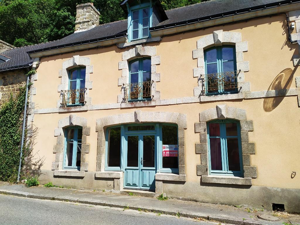 Maison en pierre, 4 chambres, grande pièce de vie, jardin Guemene Sur Scorff