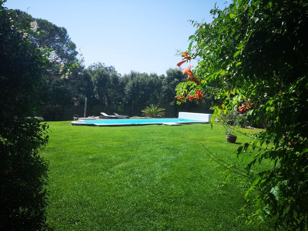Villa avec piscine et chambre parentale à Castries sur terrain 2000m²