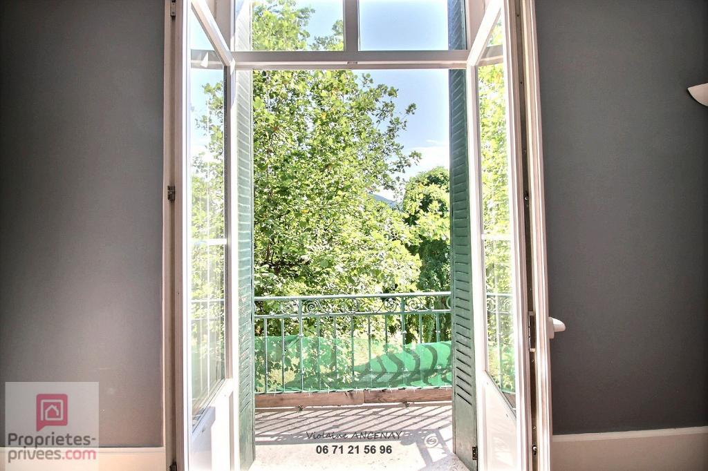 Appartement Allevard Centre 142 m2 avec jardin