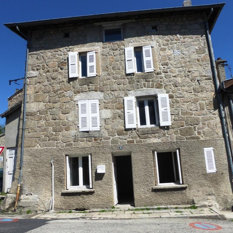 Tence Centre 43190 Maison en Pierre 82 m2 env
