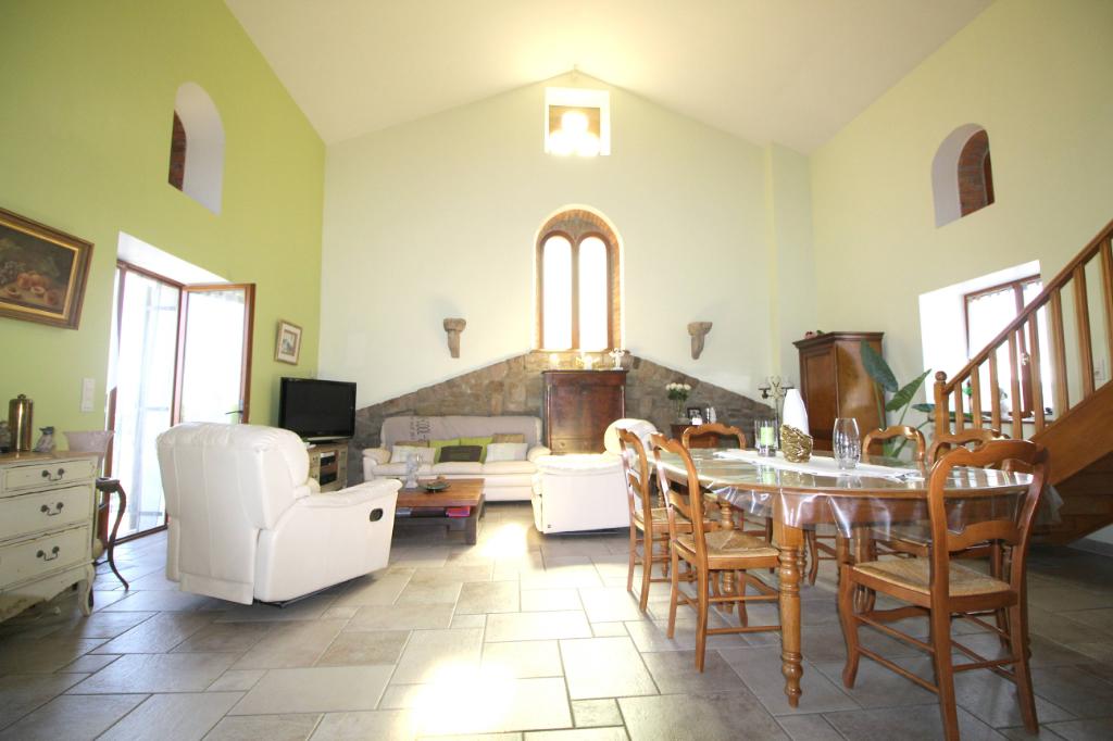 Maison Saint Genest Lerpt 7 pièce(s) 191 m2
