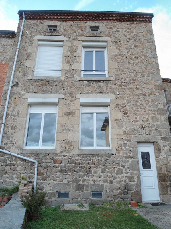 St Pal de Mons 43620, maison T6 130m², jardin clos