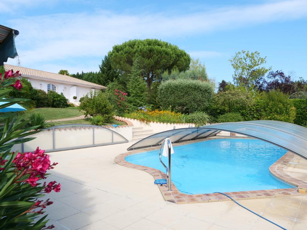 Maison avec 5 chambres, piscine, pool house, garage