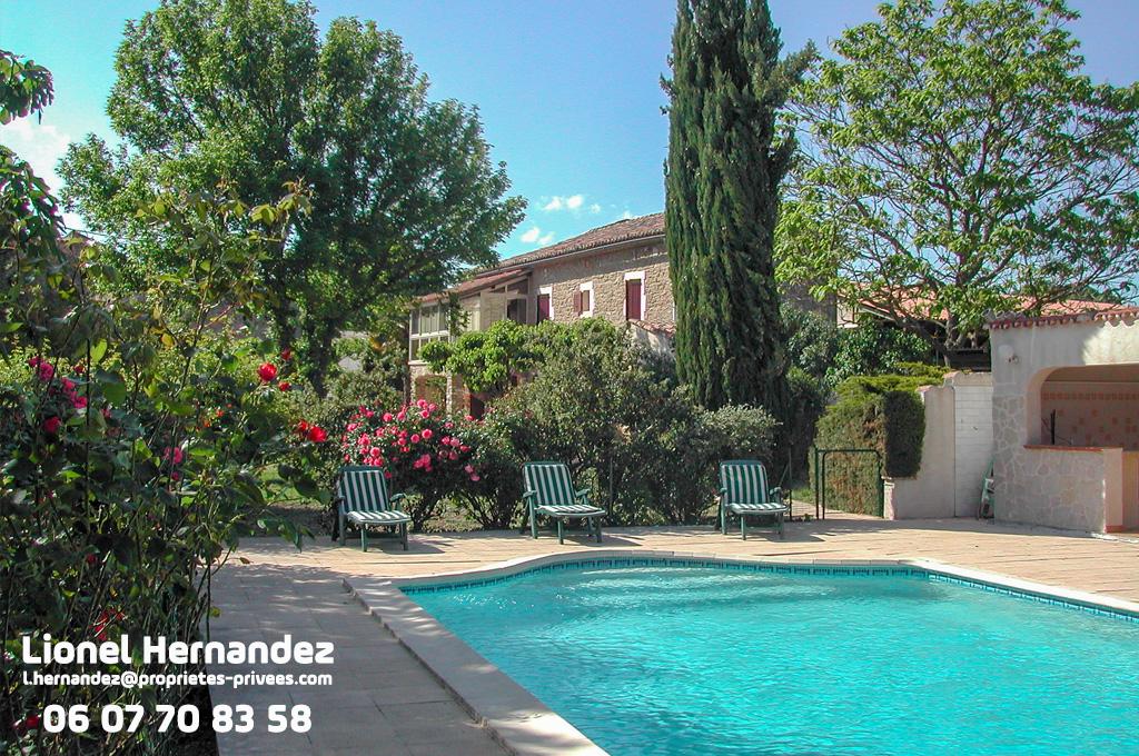 Mas 11 pièces de 255 m² avec piscine sur 4325m² de terrain