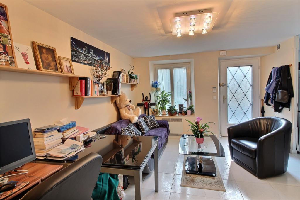Appartement Sonchamp 2/3 pièce(s) 43 m2