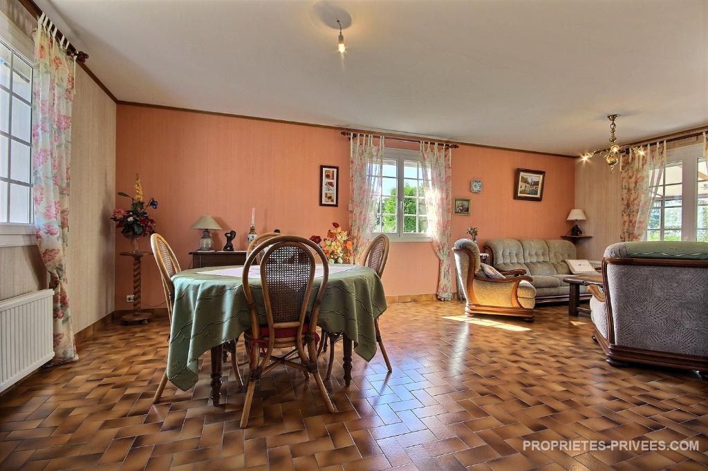 Maison  5 pièce(s) avec 1200 m2 de terrain