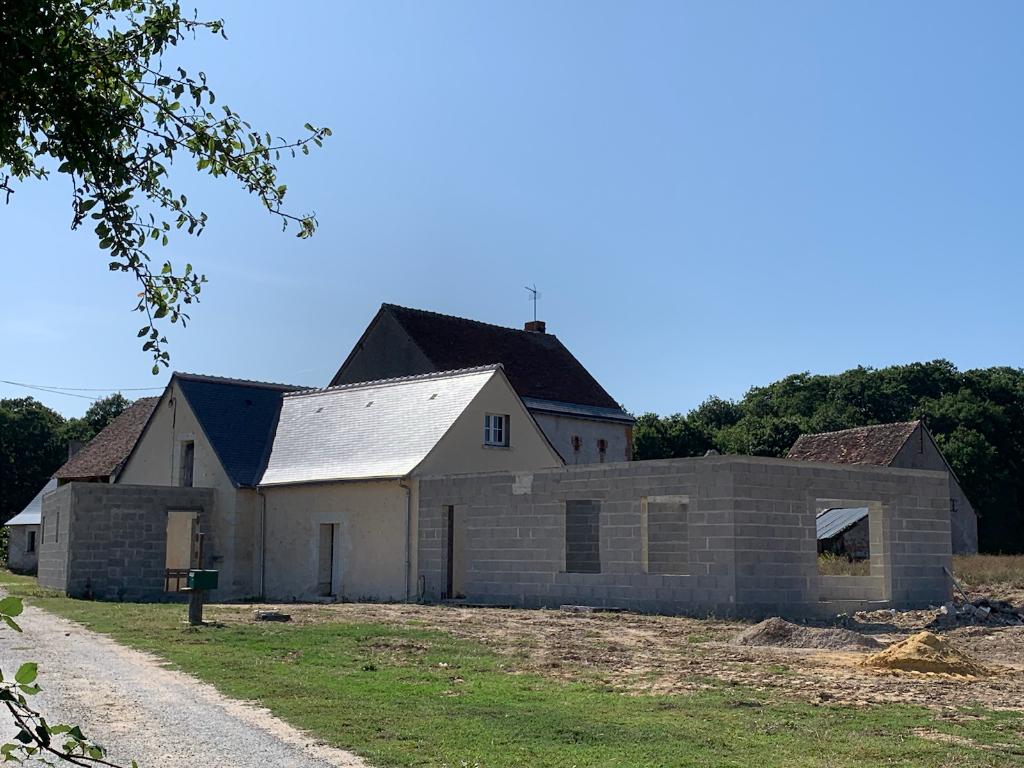 Semblançay, Maison en construction sur  2,2 hectares de terrain