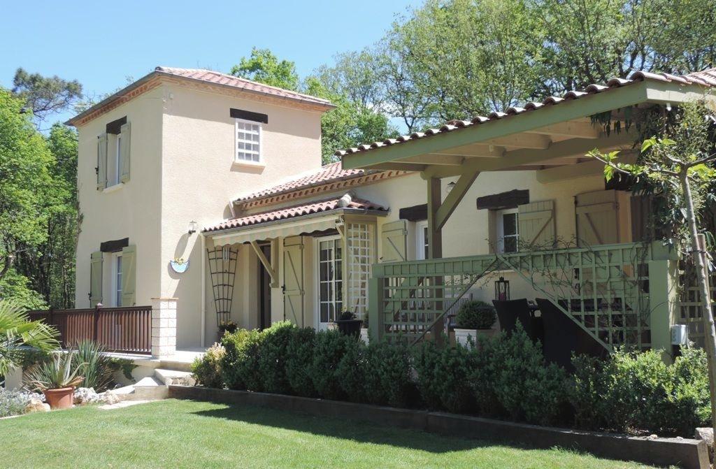 Belle villa avec véranda sur parc arboré et clos de 5400 m²